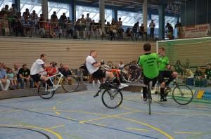 Radball_Weltcup2015_Denkendorf_150606_4_Höchst2_Obernfeld_kompr